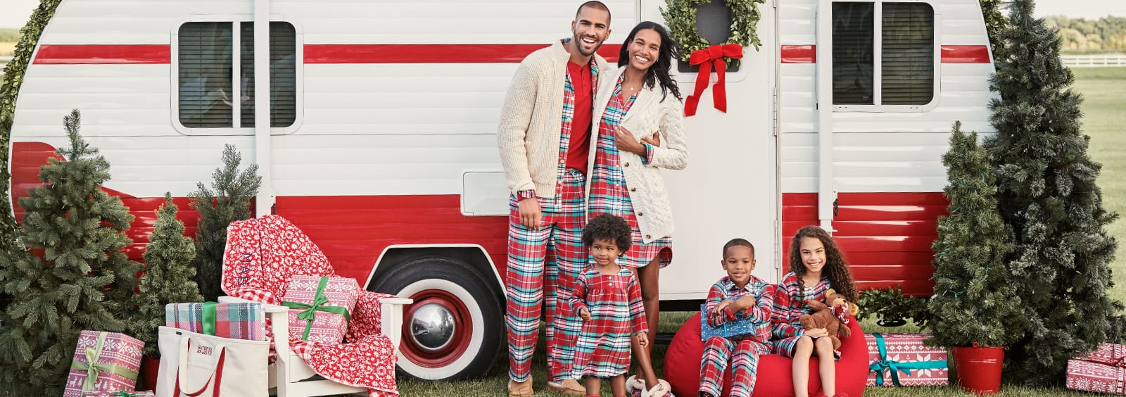 Matching Christmas Family Pajamas: Choosing the Best Pattern
